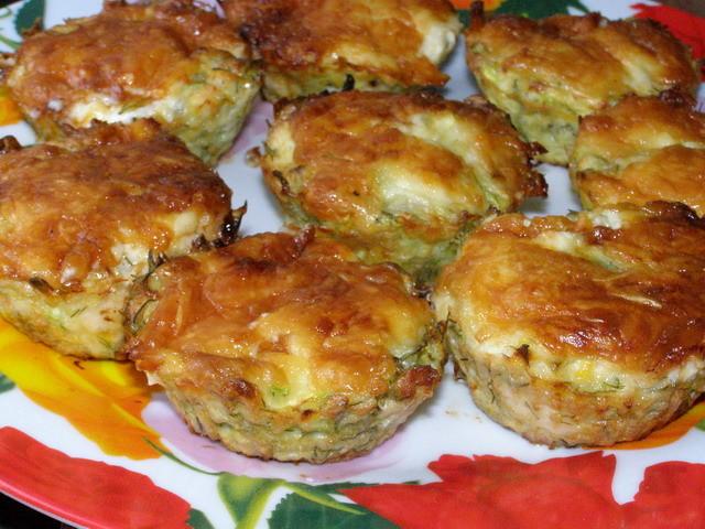 Куриные кексы с сыром и брокколи